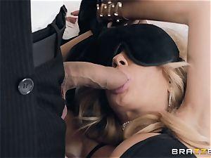 Kayla Kayden getting double intrusion