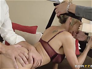 The hubby of Brandi love lets her bang a different boy