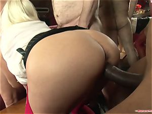 Michelle Thorne and young super-bitch gang-fuck pulverize with gang