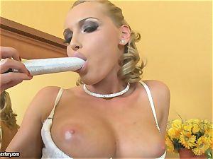 Kathia Nobili blonde dildoing her tit