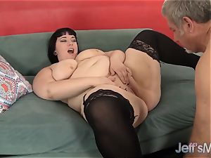 obese bombshell Alexxxis Allure hard-core hump