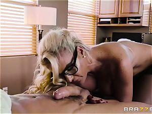 Mature physician Phoenix Marie knows finer what is needs for your man sausage