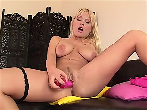 scorching female - 666porncam.com