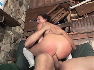 Ashley Blue takes it fine and makes sure she is the last one standing