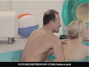 RELAXXXED - Victoria Summers jism facialed in spa poke