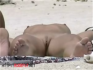 The most great culo on the nudist beach