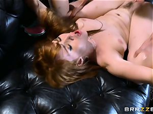 redhead Gwen Stark drills her brothers large sausage