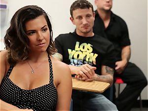 Veronica Avluv displays hot chicks how to dump