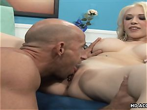 Smoking scorching blond with large melons gets romped rigid