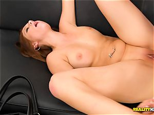 Sasha Summers has arrived for cum Fiesta time
