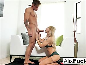 Alix Lynx spits all over a warm pulsating knob