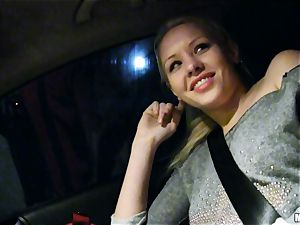 super-cute Lola Taylor gets yummy penetrating on the back seat