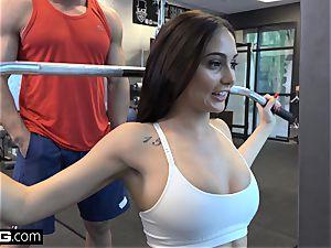 penetrate Confessions Ariana pummels a random stud at the gym