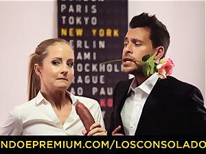 LOS CONSOLADORES - Spicy three fun with torrid Tina Kay