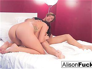 Alison gets her fuckbox boinked