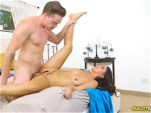 ultra-kinky real estate agent Sophia Leone wedges a clients fuckpole in her facehole
