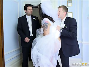 manstick hungry bride Simony Diamond