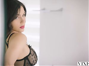 VIXEN steaming Valentina Nappi tempts her married manager