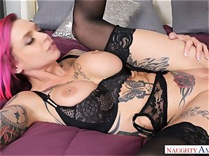 Anna Bell Peaks getting filled in her pussyhole