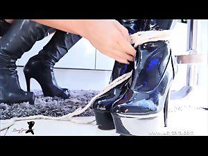 gal woman bondage latex dominatrix fetish JOI session
