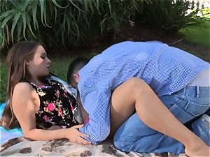 Facade Sn 4 go on a super-fucking-hot picnic with jaw-dropping Cassidy Klein