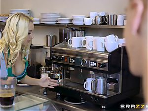 Coffee shop babe Victoria Summers plows her first-ever customer