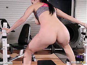 Dear coach Katrina Jade - You want to train my manstick?