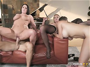 Phoenix Marie and her girls playing