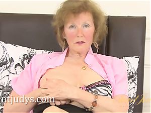 Over 60 mature model clit displays us her grandmother body