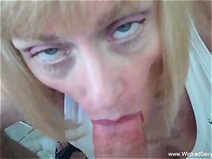 sonnie coaxes mom To internal cumshot