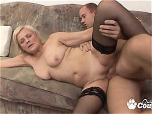 Mature light-haired fuckin' and gets facial cumshot