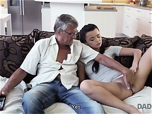 DADDY4K. dad takes part in spontaneous hook-up with cutie Erica dark-hued