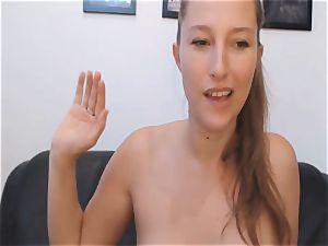 wild stunner squirting beaver on webcam