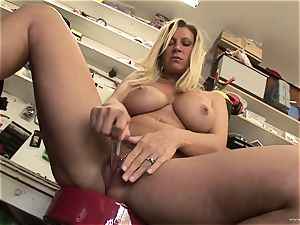 steaming Devon Lee likes taunting her delicious wet clitoris