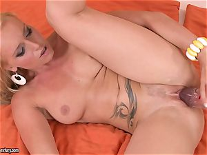 Kathia Nobili poke her girlfriend with fake penis